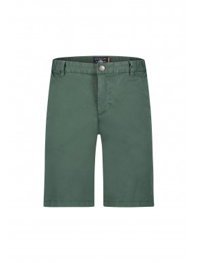 Short-in-chino-look