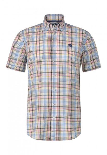 Chemise-à-carreaux-et-mances-courtes