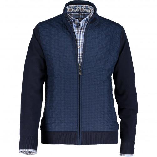 Gilet-tricot-fin-à-côté-avant-doublé