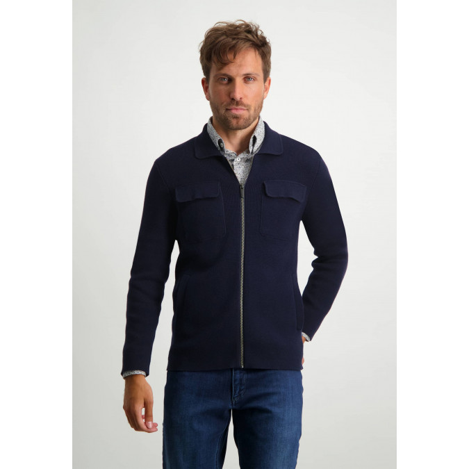 Vest-van-een-lamswol-mix---donkerblauw-uni