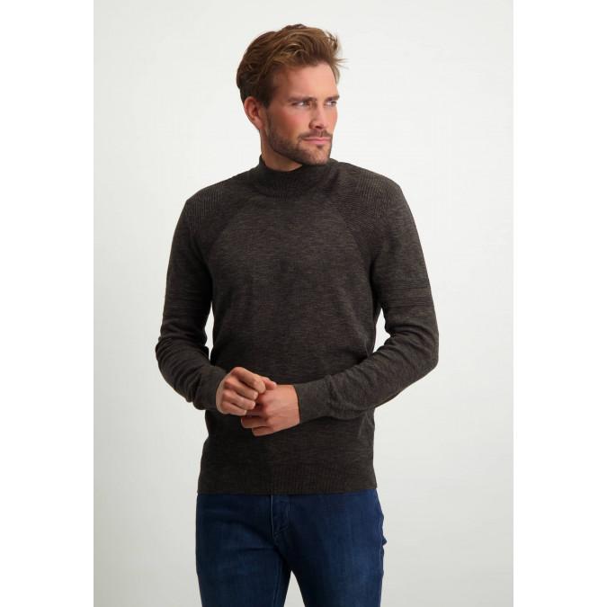 Fijngebreide-trui-met-turtleneck---donkerblauw/donkerbruin